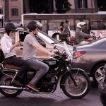 Deux-roues : la circulation entre les files de voiture interdite à partir du 1er février
