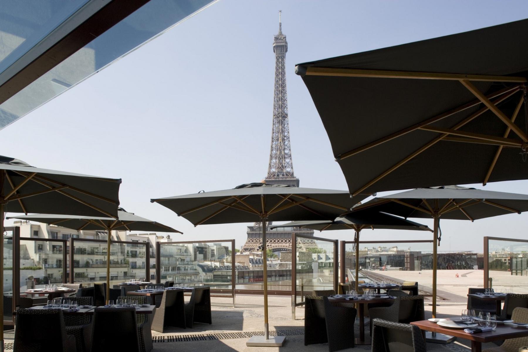 Le nouvel espace salon de la terrasse du restaurant \