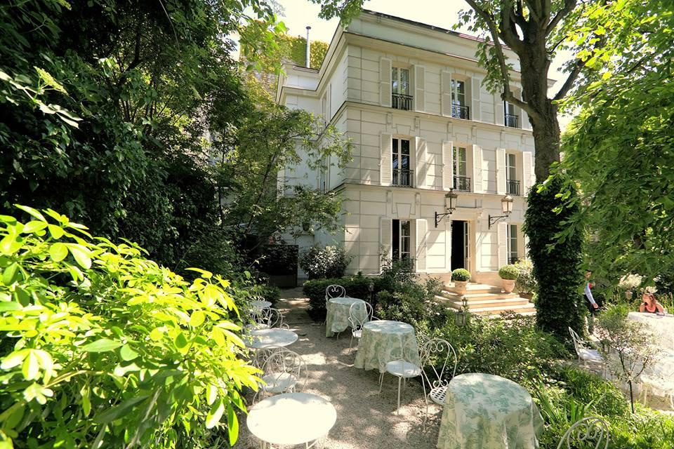 Les Somptueux Jardins De Lhôtel Particulier Montmartre