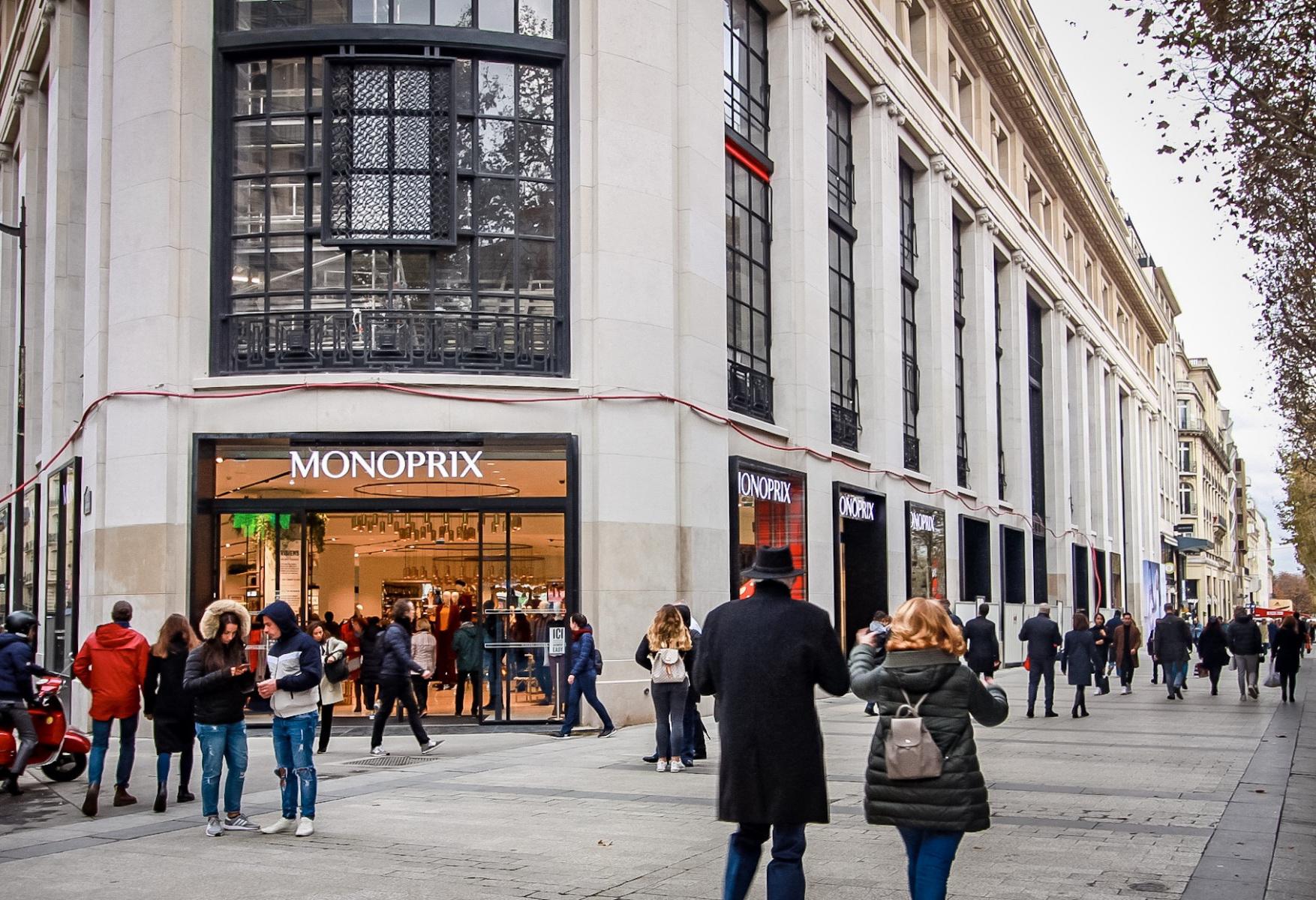 Calendrier De Lavent Monoprix 2020.Le Monoprix Des Champs Elysees Reouvre Ses Portes