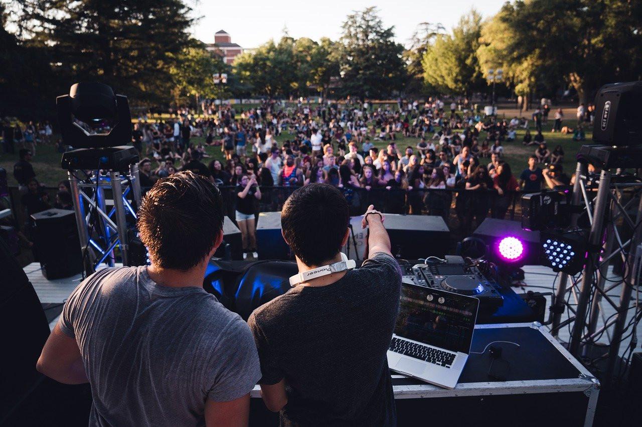 La Fete De La Musique 2021 Sera Masquee Mais Sans Pass Sanitaire Selon Roselyne Bachelot Sortiraparis Com