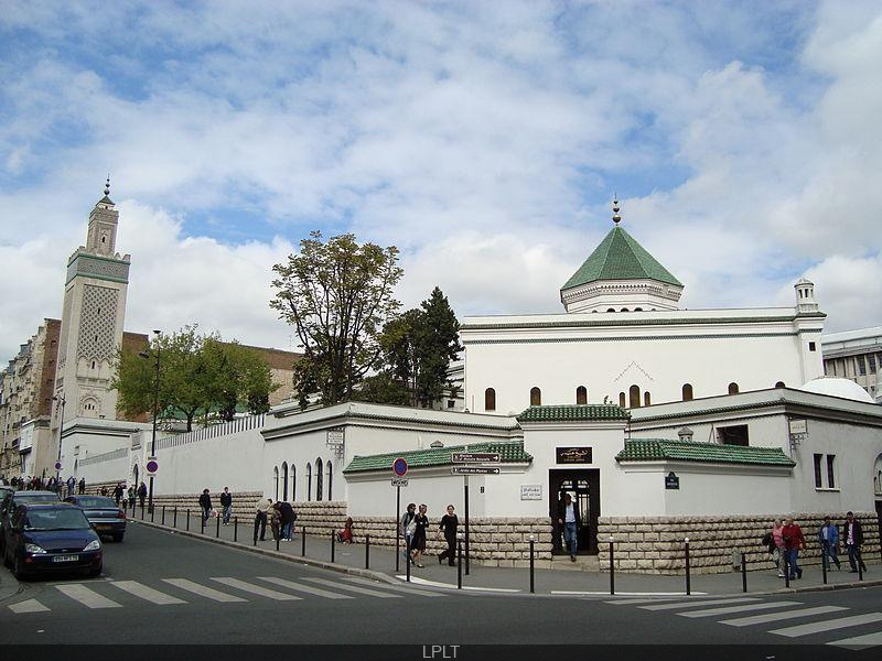 Coronavirus : la Grande Mosquée de la Mecque absolument déserte