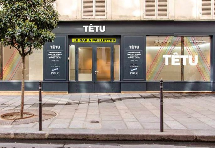 Le Bar à Paillettes Le Pop Up Store Du Magazine Têtu Dans