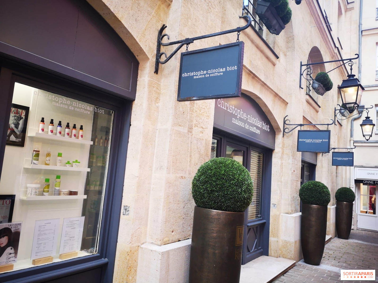 Le Salon Du Meilleur Coiffeur Francais Christophe Nicolas Biot Reprend Du Service Sortiraparis Com
