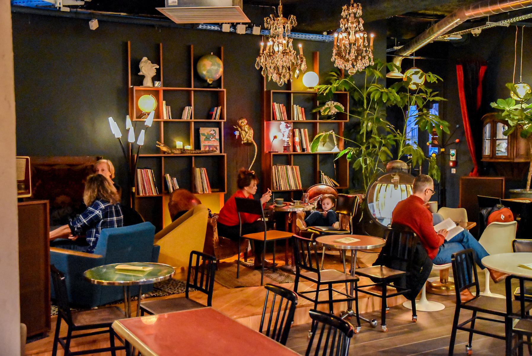 Griffon Cafe Bar Culturel Et Engage Au Coeur Du Marais Sortiraparis Com
