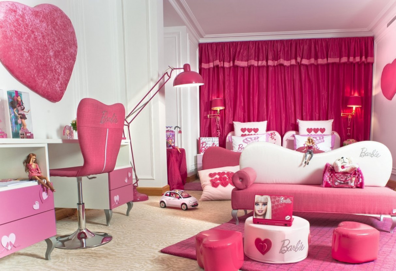 Photo chambre barbie au plaza ath n e chambre barbie ou for Chambre hot