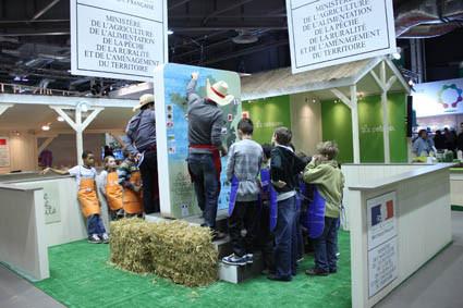 Photo minist re de l 39 agriculture salon de l 39 agriculture for Place gratuite salon de l agriculture