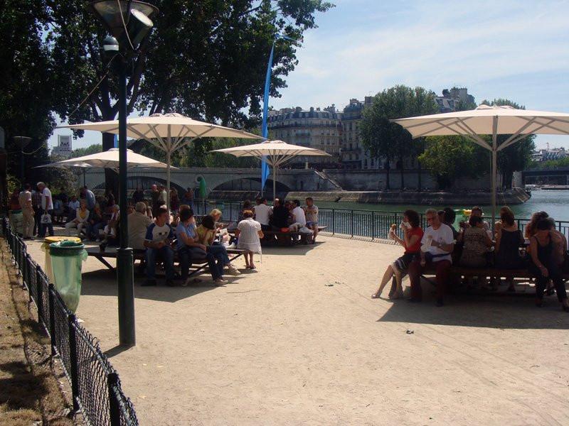 Photo paris plage sur les bords de seine paris plages - Piscine plage paris asnieres sur seine ...