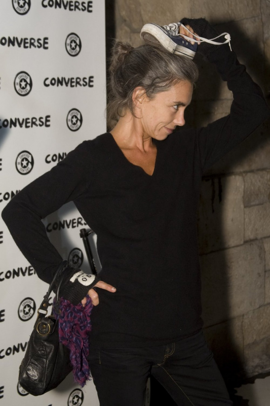 Photo Elisabeth Quin People Soir 233 E 100 Ans De Converse