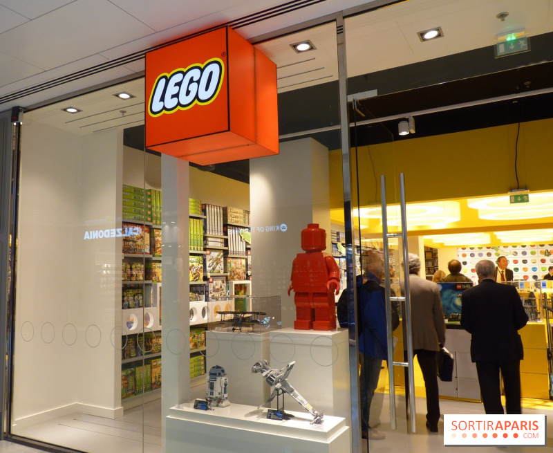 photo so ouest vitrine lego so ouest le nouveau centre commercial de levallois. Black Bedroom Furniture Sets. Home Design Ideas